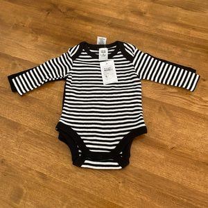 Baby 2 pack bodysuits Black and White